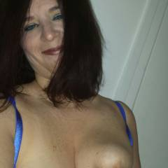 Large tits of my girlfriend - Cleveland 6