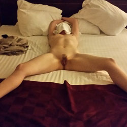 Blindfolded Hotel Rendezvous - Bush Or Hairy, GF