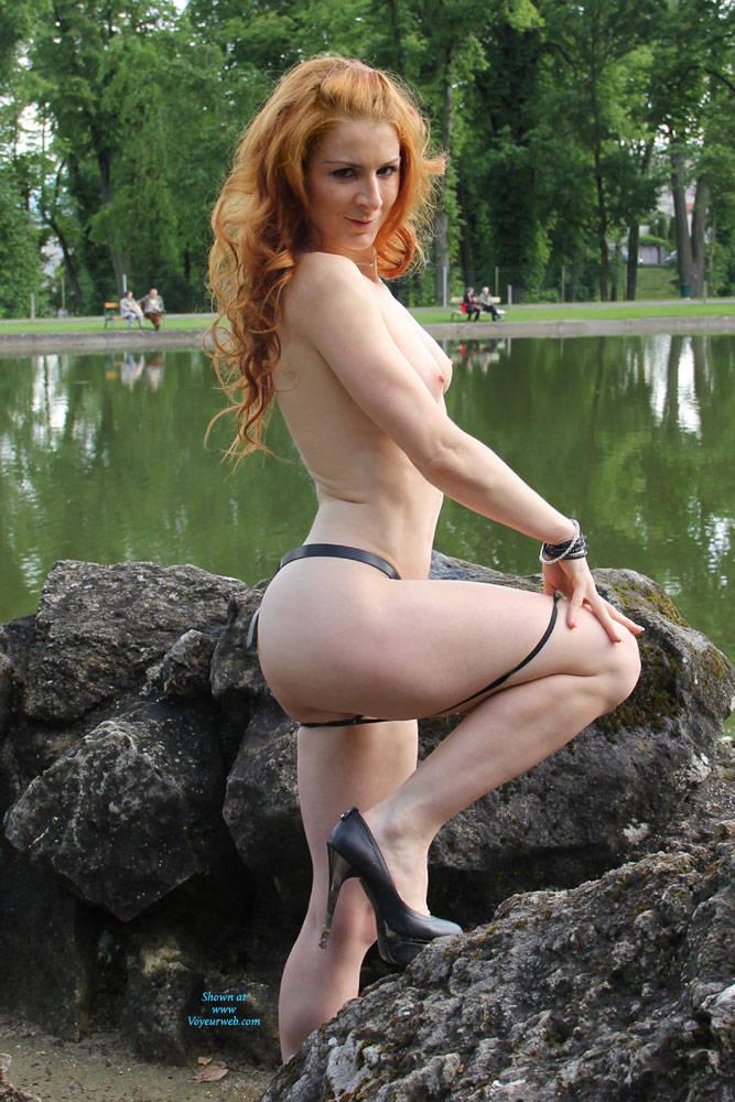 Redhead greeneye pussy