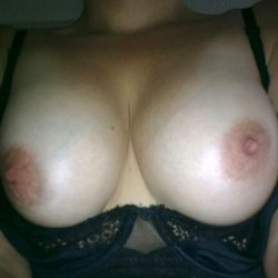 Selfies - Big Tits, Close-Ups, Toys, Bush Or Hairy
