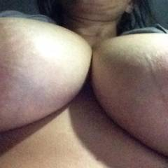 Extremely large tits of my wife - Bustywife