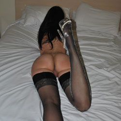 MO3 Once Again - Brunette, High Heels Amateurs