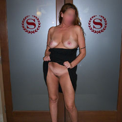 Flashing Around Sheraton Hotel - Big Tits, Public Exhibitionist, Public Place