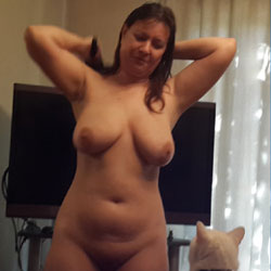 Marie After Shower - Big Tits, Brunette