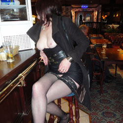 Short Skirt ... No Knickers - Flashing, Public Exhibitionist, Public Place, Lingerie