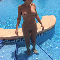 In The Swiming Pool - Big Tits, Shaved