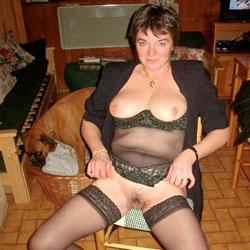 Bonne Cochonne - Big Tits, Brunette, Lingerie