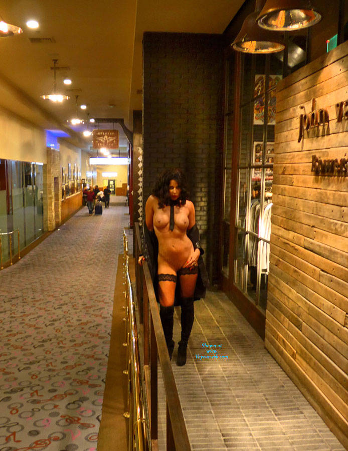 Las Vegas Flashing - June, 2014 - Voyeur Web-4562