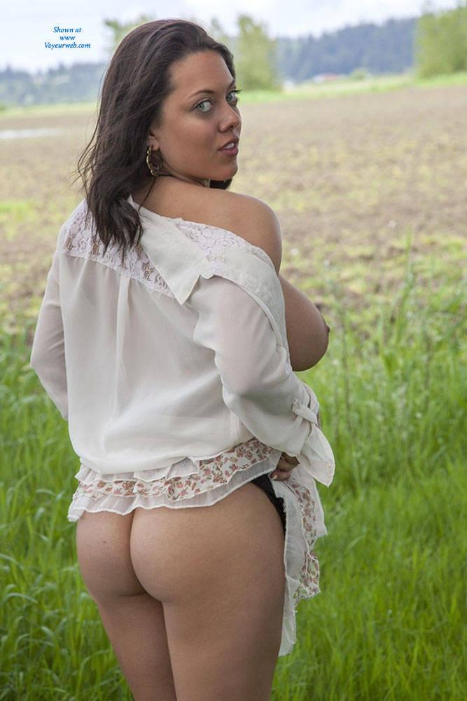 Pic  Flashing My Ddds Big Tits Brunette Flashing Public Exhibitionist