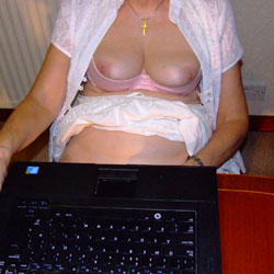 Cam Show While Working - Big Tits, Bush Or Hairy