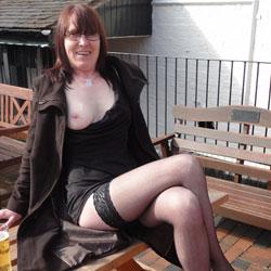Flashing At My Local Pub - High Heels Amateurs, Latina, Shaved