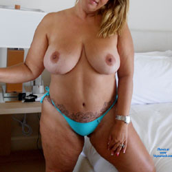 A Sexy Wife - Big Tits, Wife/Wives