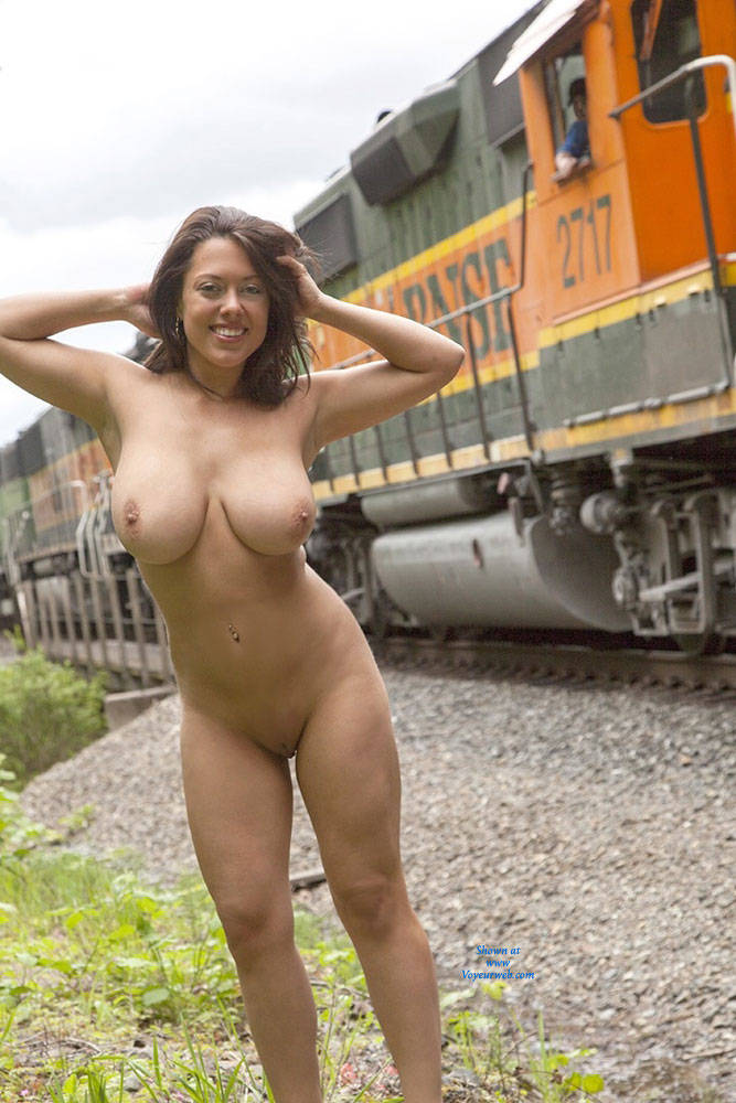 tits on train Flashing