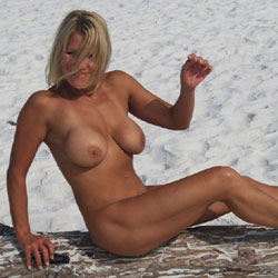 Fitbabe - Beach, Big Tits, Blonde, Wife/Wives