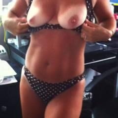 Medium tits of my wife - hottie nc