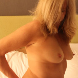 Big Tits Blonde On Bed - Bed, Big Tits, Blonde Hair, Erect Nipples, Firm Tits, Hard Nipple, Huge Tits, Large Breasts, Naked In Bed, Nipples, Perfect Tits, Showing Tits, Hot Girl, Sexy Boobs, Sexy Woman