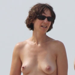 Naked Mom - Beach, Brunette