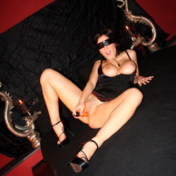 Blindfolded - Big Tits, High Heels Amateurs, Shaved, Toys