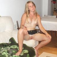 Very small tits of my girlfriend - pantielessgirl