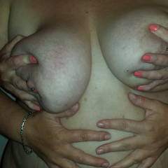 Very large tits of my girlfriend - Yorkshire M