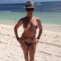 Body Paint - Big Tits, Beach