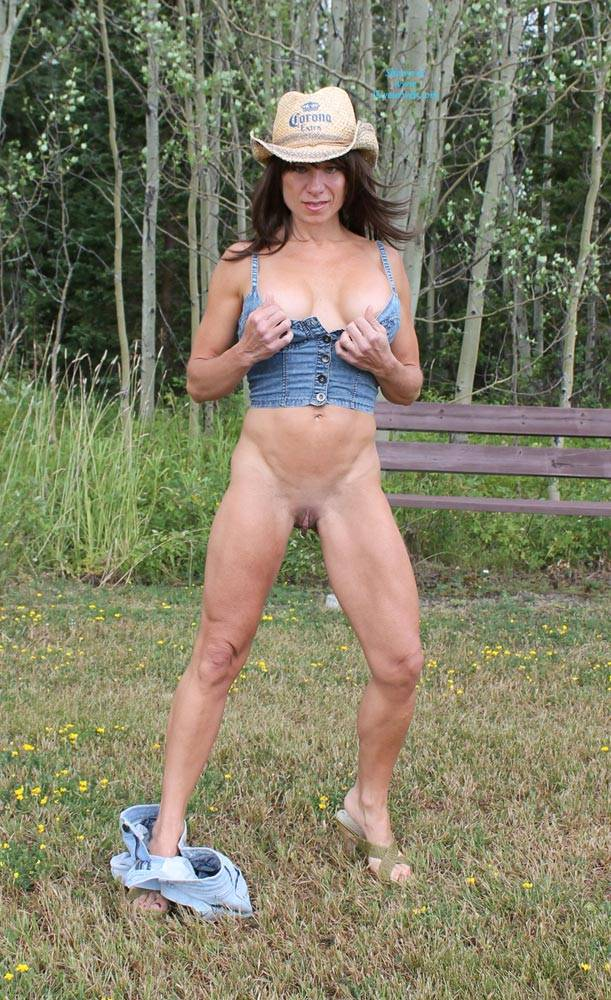 Pic #5 Stormy Day In The Field - Big Tits, Brunette, Nature, Shaved, Striptease