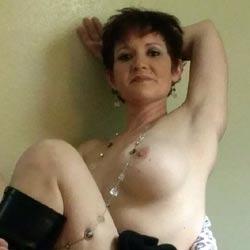 Ass Anyone?? - Brunette