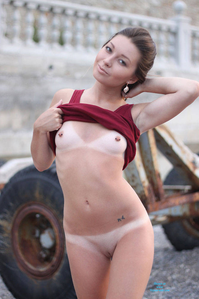 Pic #1 - Vivienne - Morning Walk - Brunette Hair, Exposed In Public, Nude In Public, Shaved, Sexy Ass , Hot Hello! Morning Walk Few Days Ago. Pantieless, Than Completely Naked :) I Had So Much Fun! I Hope You Like! Hooooot Summer Kisses, Vivienne