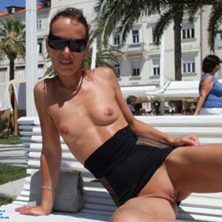 Harbour Split - Exposed In Public, Nude In Public, Shaved , Sightseeing In Minimal Dress.