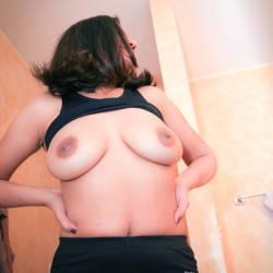 Medium tits of my wife - zexy