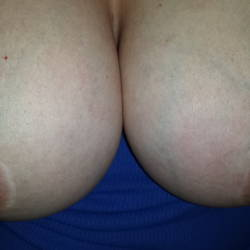 Large tits of my wife - MyLadysbigtittes