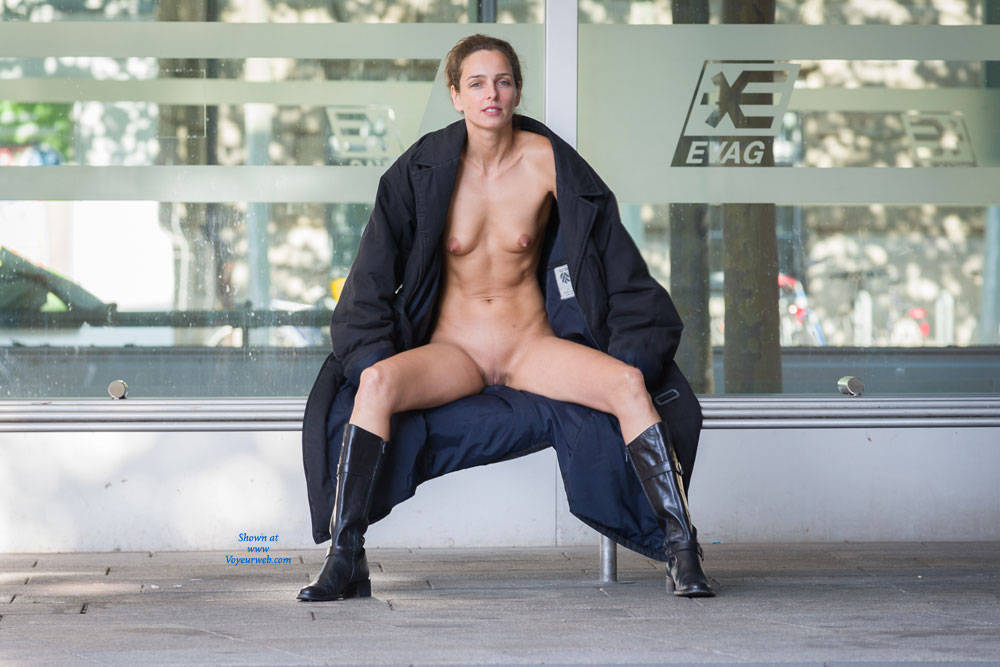 Pic #4 Bus Stop - Flashing, Public Exhibitionist, Public Place, Shaved