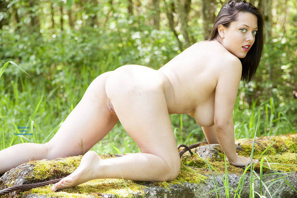 Pic #9 DDD's At The Park - Big Tits, Brunette, Nature, Shaved