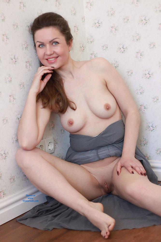 Pic #8 Nicole - Big Tits, Shaved