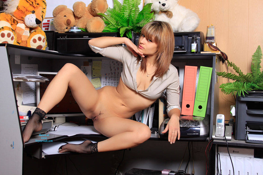 Sexy secretary dylan riley banging her boss in the office