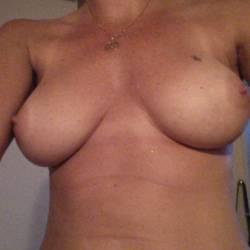 Medium tits of my girlfriend - Frederique