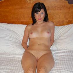 Posing - Big Tits, Brunette