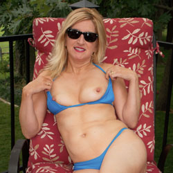 Jinxxx - Royal Blue WW I - Big Tits, Bikini, Blonde Hair, Heels