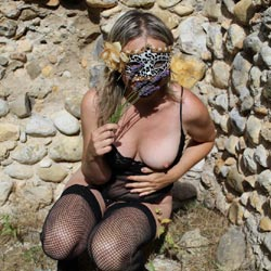Vive la Provence - Big Tits, Lingerie