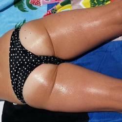 A neighbor's ass - jenny