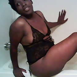 Fun In The Tub - Ebony
