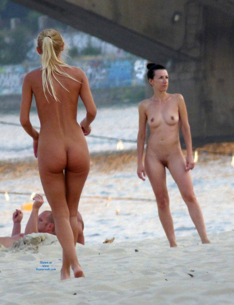 outdoor nude beach
