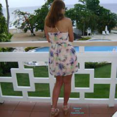 Jamaican Resort - Long Legs