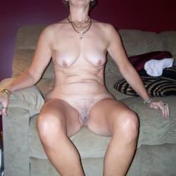 Medium tits of my wife - Bare Barbara