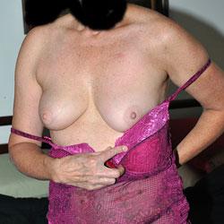 Sara Posing - Big Tits