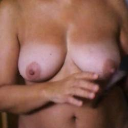 Large tits of my wife - buscossesso