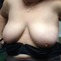 Medium tits of my room mate - Sara