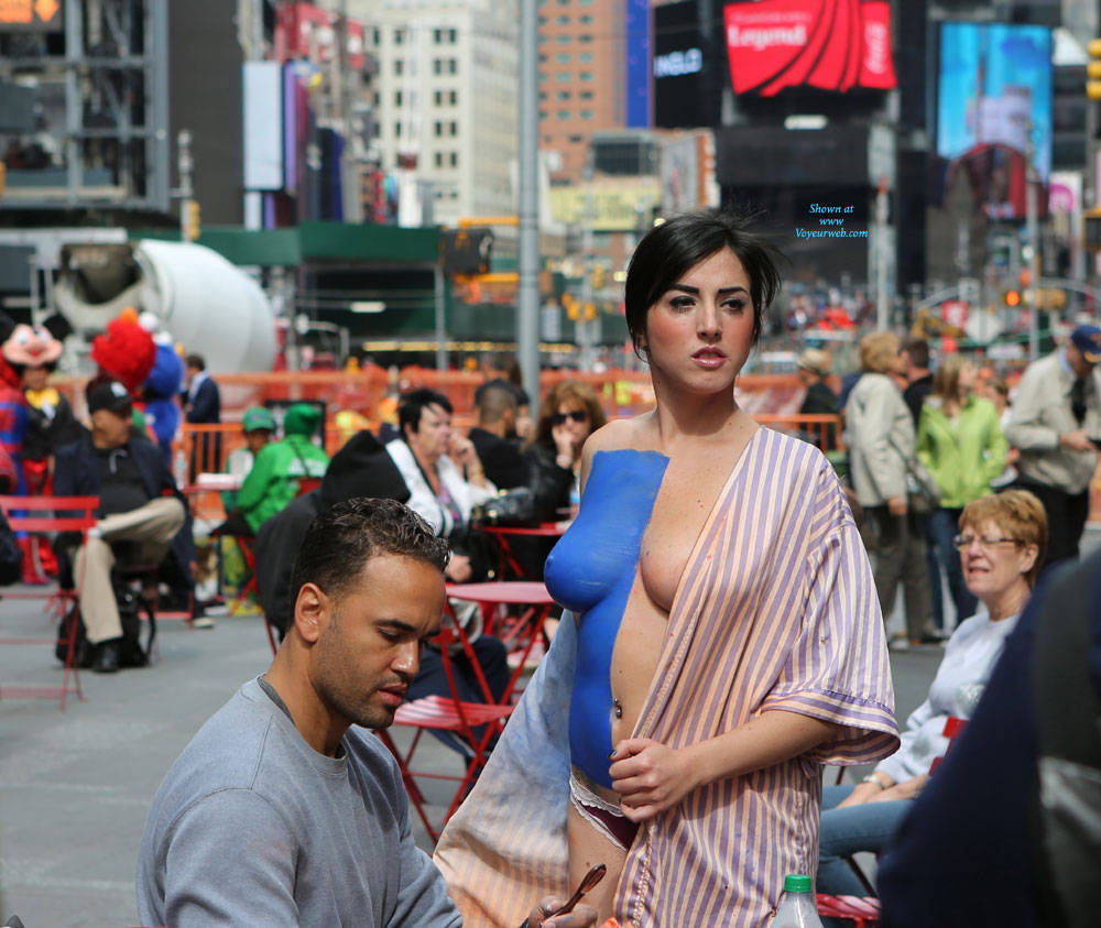 Pic #5 Times Square NYC Girls - Big Tits, Brunette