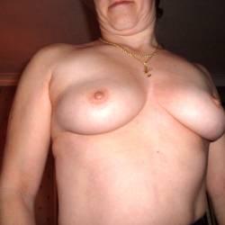 Medium tits of my wife - Puppy