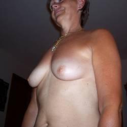 Medium tits of my wife - Bare Barb